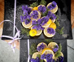 ceramica, frutta e fiori